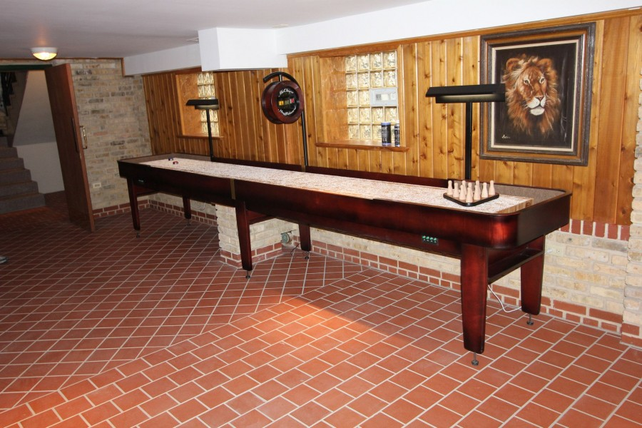 Shuffleboard-Table-Tournament-II-McClure-Tables-Handcrafted-Shuffleboards-Custom-Electronic-Shufflebaord-Score-Unit