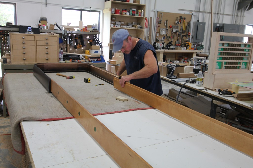 Assemble_shufflebord_table_rails